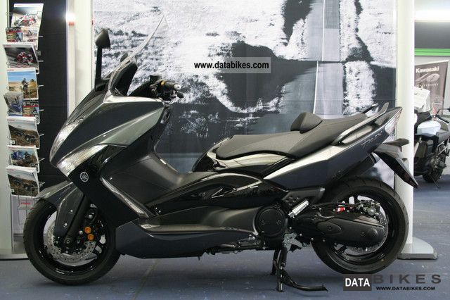 2012 Yamaha  TMAX TMAX T MAX with 2011er Tageszulassung 5 km Motorcycle Scooter photo