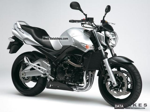 Suzuki  GSR600 2012 Naked Bike photo