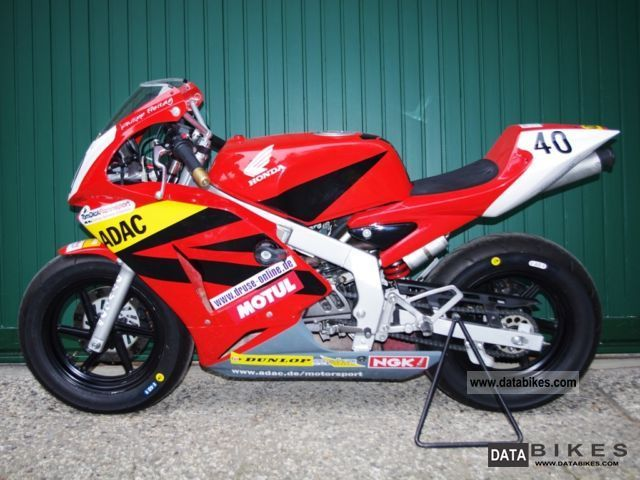 Honda  NSF 100 2011 Racing photo