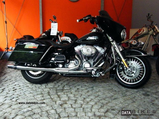 2012 Harley Davidson  FLHT Motorcycle Motorcycle photo