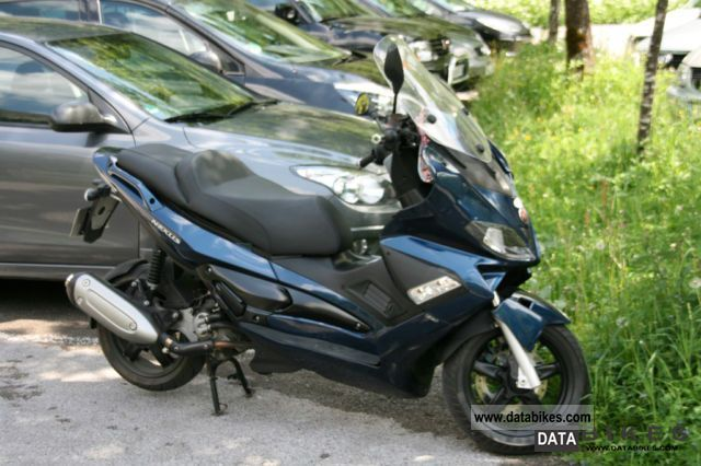 2012 Gilera  Nexus 125 Motorcycle Scooter photo