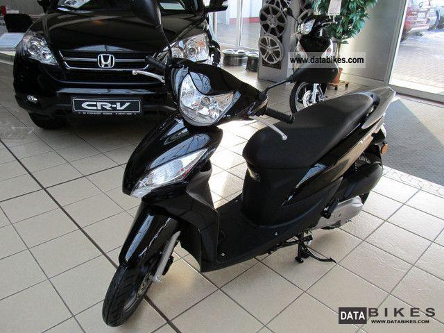 2012 Honda  Vision 50 Motorcycle Scooter photo