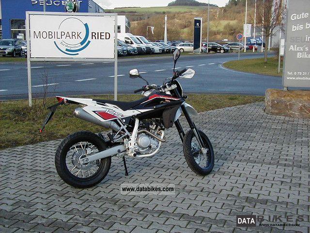 2012 Husqvarna  SMR 125 (SMS4) Motorcycle Super Moto photo