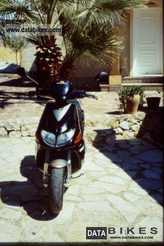 2002 Derbi Predator Motorcycle Scooter photo 2
