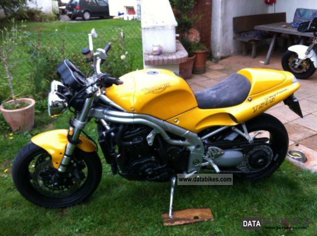 1998 Triumph  Daytona Motorcycle Naked Bike photo