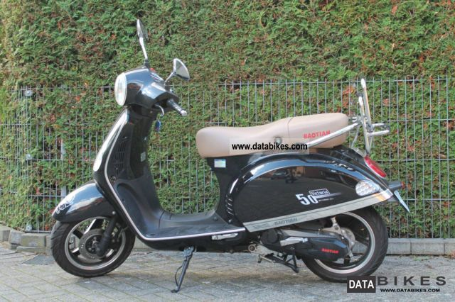 2011 Baotian  BT49QT21 - Victoria 25/45 km / h Motorcycle Scooter photo