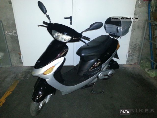 2007 Zhongyu  Rex moped scooter Benzhou admission 4180 Km Motorcycle Scooter photo