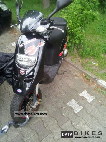2007 Gilera  Storm 50 Motorcycle Scooter photo