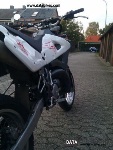 2001 Husqvarna  SM S 125 cc Motorcycle Lightweight Motorcycle/Motorbike photo