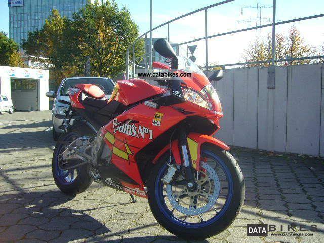 2012 Aprilia  RS 125 2 STROKE SPAIN NO.1 ONLY 5 KM LIKE NEW!! Motorcycle Lightweight Motorcycle/Motorbike photo