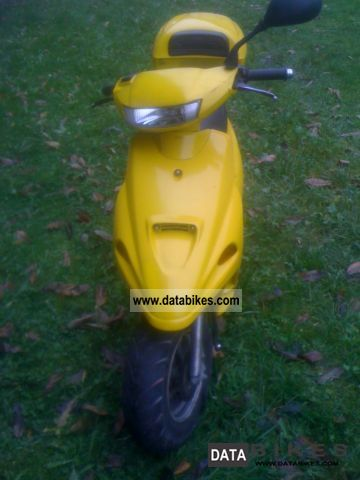 1997 Adly  Herchee Pt 50 Motorcycle Scooter photo