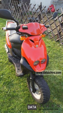 PGO  View Disign 50 cc Evil 1996 Scooter photo