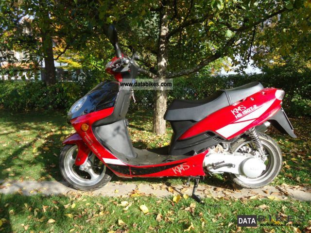 Hyosung  HS 150 T -2 2011 Scooter photo