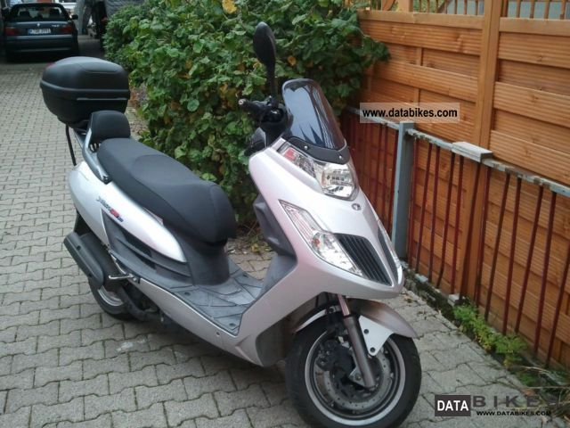 2011 Kymco  50GT Motorcycle Scooter photo