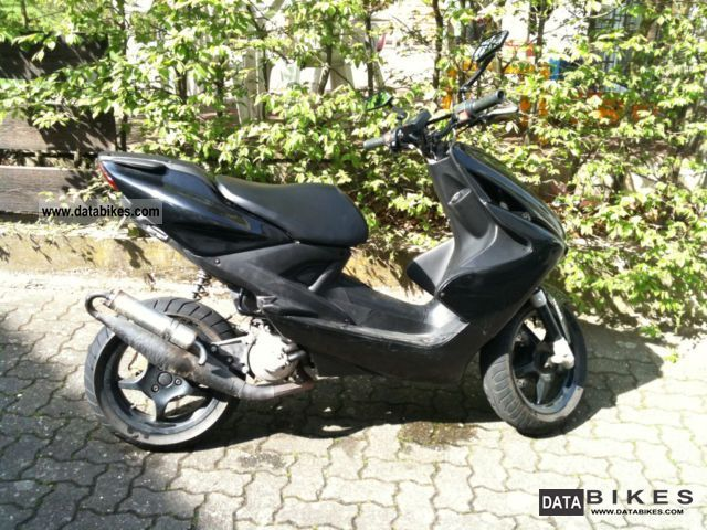 2004 Yamaha  Aerox Motorcycle Scooter photo