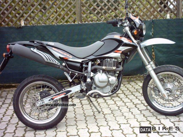 2005 Beta  Motard 4.0 Supermoto Suzuki DR 350 Engine Motorcycle Super Moto photo