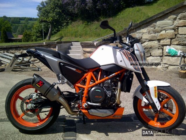 2012 ktm duke 690 r abs optics akrapovic. Black Bedroom Furniture Sets. Home Design Ideas