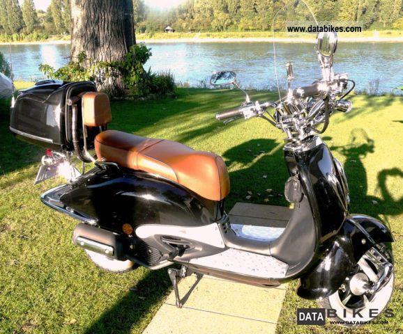 2010 Zhongyu  ZN125T E Motorcycle Chopper/Cruiser photo