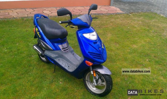 2004 Adly  Supersonic 50cc Motorcycle Scooter photo
