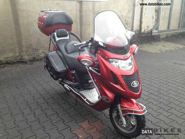 motor assisted bicycle small moped vehicles with pictures. Black Bedroom Furniture Sets. Home Design Ideas