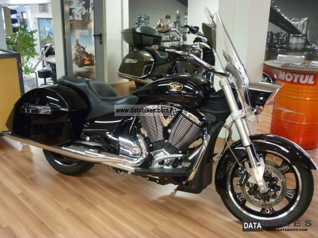 VICTORY  Crossroads Delux with ABS Nr.1885 2012 Chopper/Cruiser photo