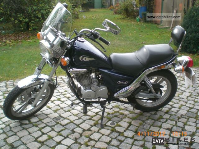 2003 Daelim  VS 125 E Motorcycle Chopper/Cruiser photo