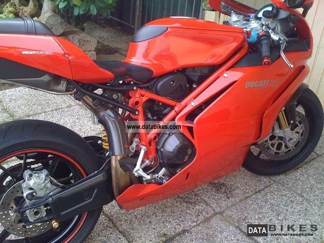 2005 Ducati  DUCATI 749S Motorcycle Sports/Super Sports Bike photo