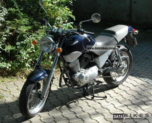 2004 Sachs  Roadster 125 V2 Motorcycle Lightweight Motorcycle/Motorbike photo