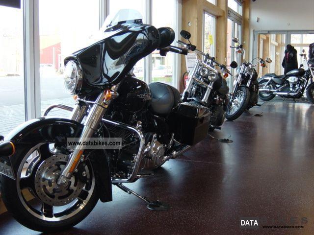 Harley Davidson  Street Glide, new car, 2013, vivid black- 2012 Tourer photo
