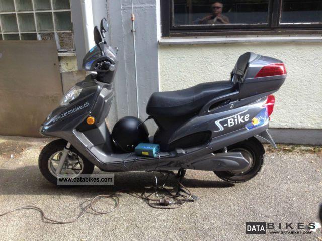 2012 Zero  Noise Motorcycle Scooter photo