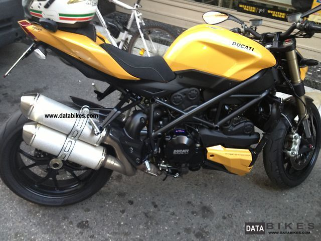 Ducati  ducati streetfigters 2012 Streetfighter photo