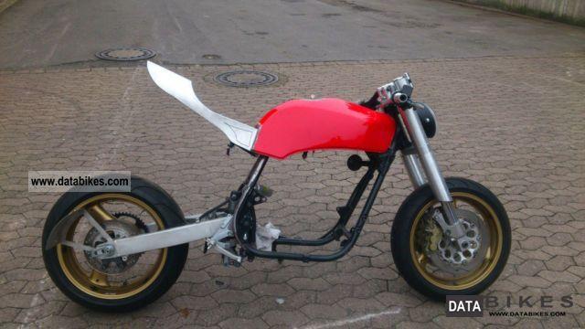 1984 Kawasaki  GPZ Motorcycle Streetfighter photo