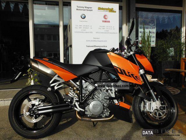 2011 KTM  Super Duke 990 2011er Motorcycle Naked Bike photo