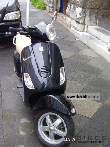 2009 Vespa  VX50 Motorcycle Scooter photo