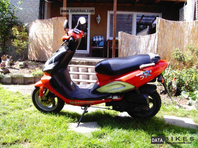 2001 TGB  Meteorite 25/50 Motorcycle Scooter photo