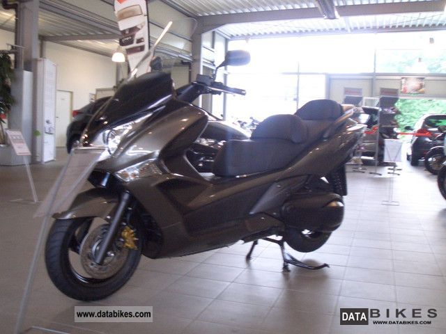 2012 Honda  SW T 600 Motorcycle Scooter photo