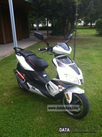 2011 Baotian  GS Racer2 Motorcycle Scooter photo
