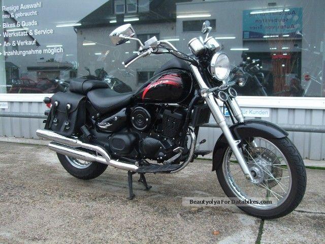 2010 Daelim  VL 125 Daystar Motorcycle Chopper/Cruiser photo