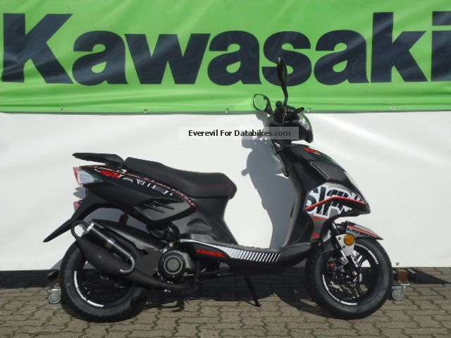 Generic  Sirion 50 from Kawasaki team Hoffmann 2012 Scooter photo