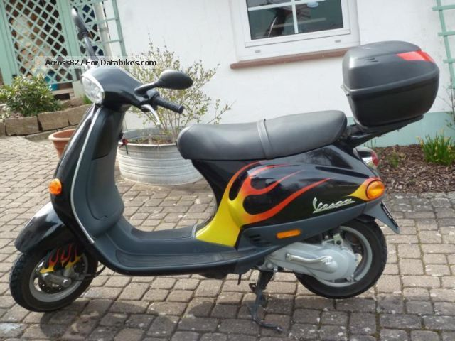 2004 Vespa  LX 50 Motorcycle Scooter photo