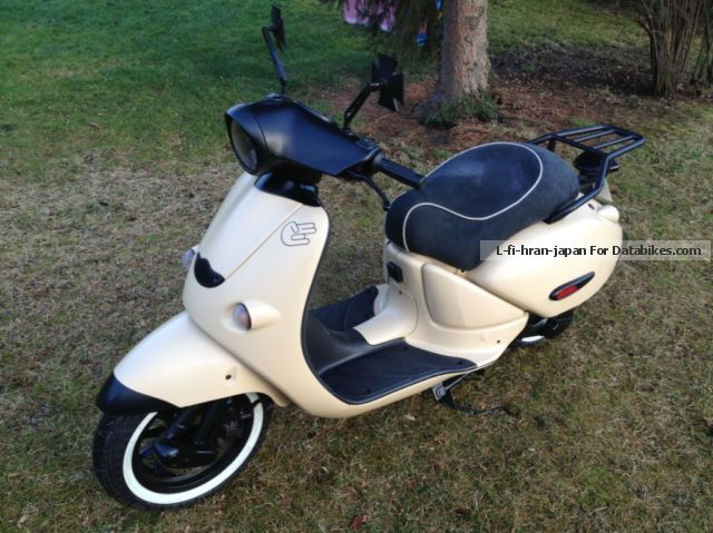 2003 aprilia mojito retro moped 25 individual pieces. Black Bedroom Furniture Sets. Home Design Ideas