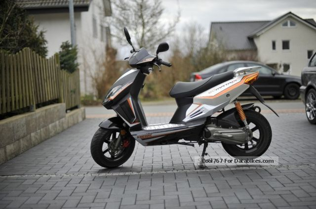 2010 Keeway  Matrix 50 Motorcycle Scooter photo