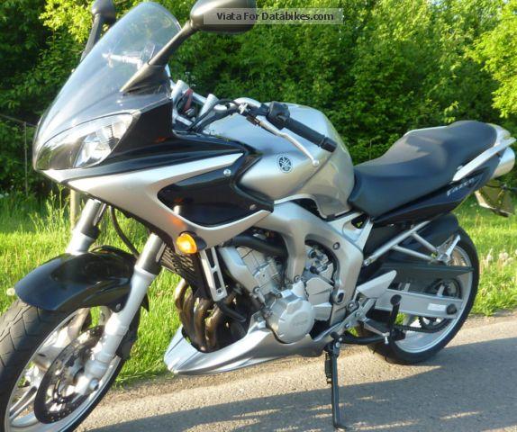2004 Yamaha  Fazer Motorcycle Tourer photo