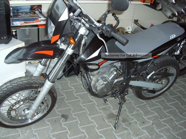 2005 Beta  SM 350 Supermoto Motorcycle Super Moto photo