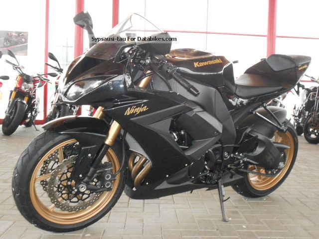 2010 Kawasaki Ninja ZX10R Black 1 Hand MINT Motorcycle Sports Super