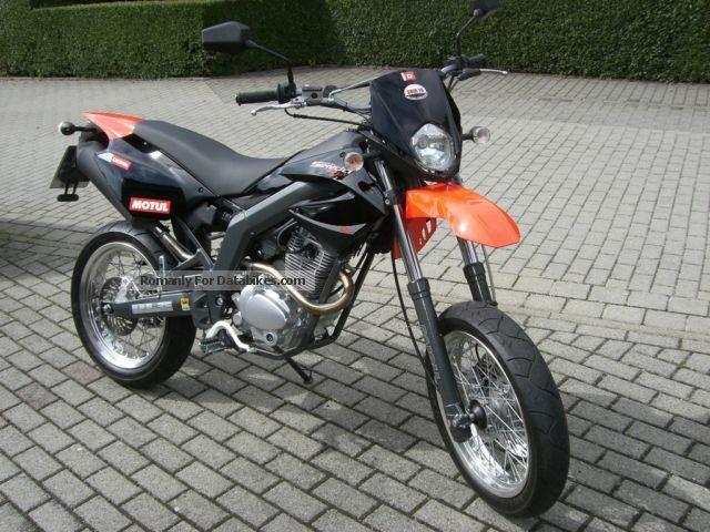 2011 Derbi  SM Senda Baja 125 cc Top only 1000 km! Motorcycle Other photo