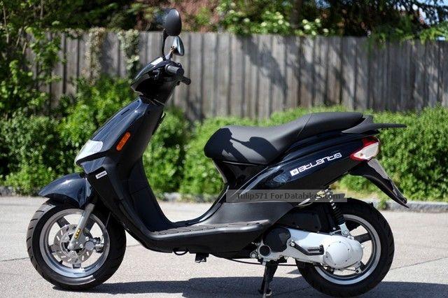 2012 Derbi  Atlantis 50 Motorcycle Scooter photo