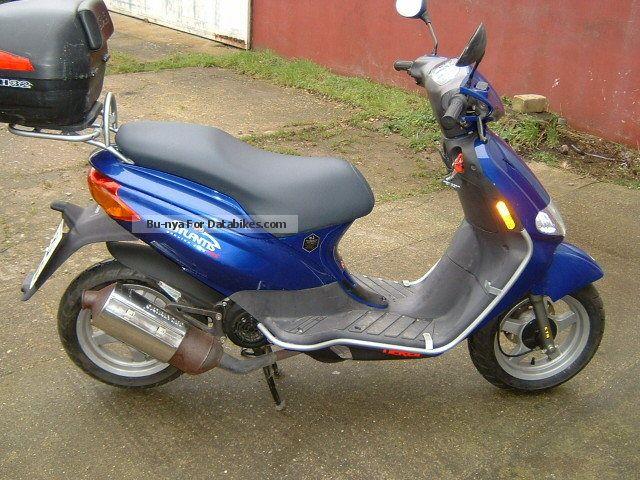 2004 Derbi  Atlantis 100 Motorcycle Scooter photo
