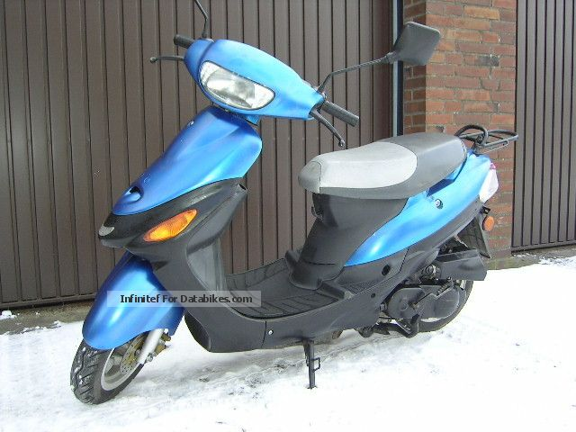 2005 Zhongyu  25er moped scooter Motorcycle Scooter photo