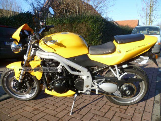 2004 Triumph  Speed Triple Motorcycle Naked Bike photo
